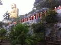 Монахи, идущие к Будде